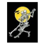 Postal de los esqueletos del baile