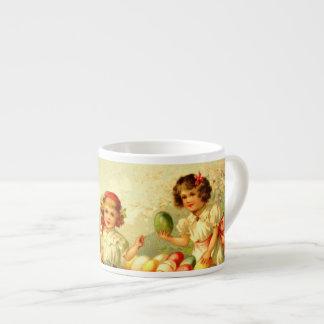 Postal de los niños de Pascua del Victorian de la  Taza Espresso