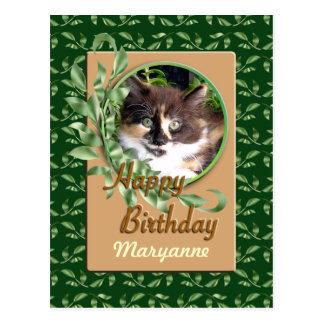Postal de ojos verdes del feliz cumpleaños del gat