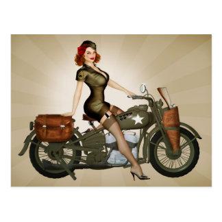 Postal de sargento Davidson Army Motorcycle Pinup
