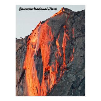 """Postal de Yosemite caída del fuego"""" de la caída de"""