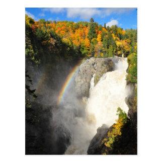 Postal del arco iris de la cascada de Sainte-Anne