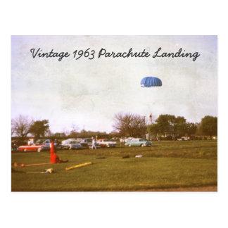 Postal del aterrizaje del paracaídas del vintage 1