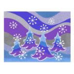Postal del azul de los árboles del invierno