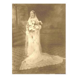 Postal del boda de Adela