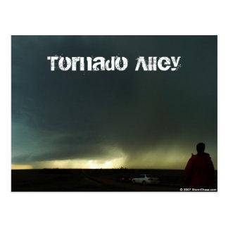 Postal del callejón de tornado