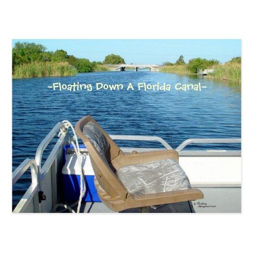 Postal del canal del agua de la Florida del barco