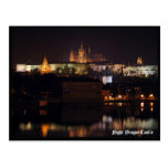 Postal del castillo de Praga de la noche