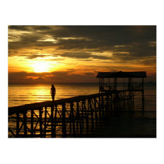 Postal del embarcadero de la puesta del sol