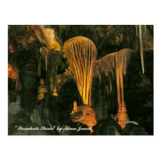 Postal del escudo del paracaídas en las cuevas de