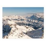 Postal del paisaje de las montañas Nevado. Suiza