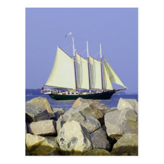 Postal del velero de Jamestown