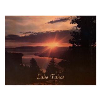 Postal del vintage de la salida del sol del lago T