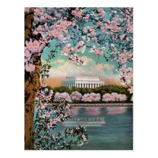 Postal del vintage de las flores de cerezo