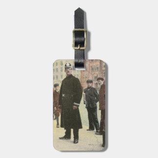 Postal del vintage de un policía irlandés etiquetas bolsas