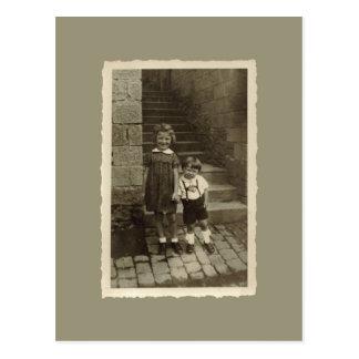Postal del vintage - muchacho y chica