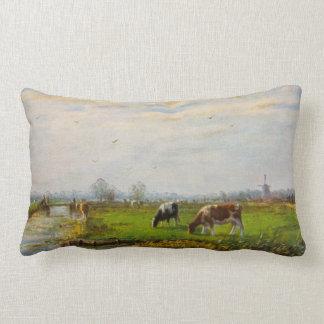 Postal del vintage, pastando vacas, granja cojín