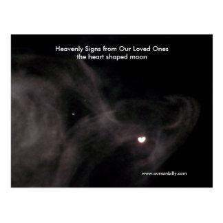 Postal en forma de corazón de la luna.