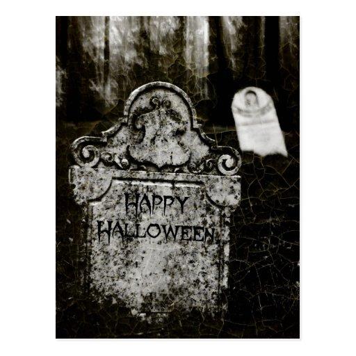 Postal espeluznante del cementerio del feliz Hallo