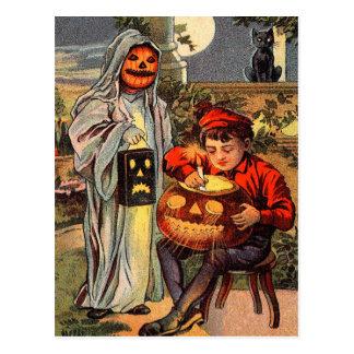 Postal fantasmagórica de Halloween del vintage