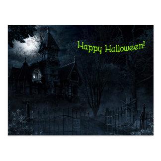 Postal frecuentada de Halloween de la mansión