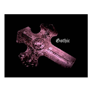 Postal gótica de la cruz púrpura del cementerio