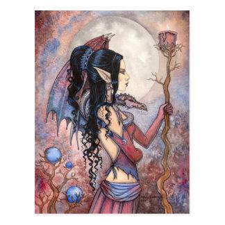 Postal gótica del arte del chica del dragón de la