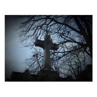 Postal gótica hermosa de la piedra sepulcral del c