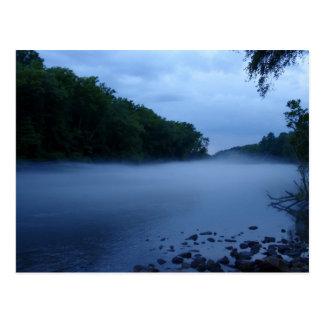 Postal - niebla del río Chattahoochee