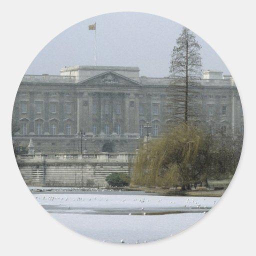 Postal No.7 del Buckingham Palace Pegatina Redonda
