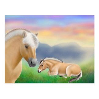 Postal noruega de los caballos del fiordo