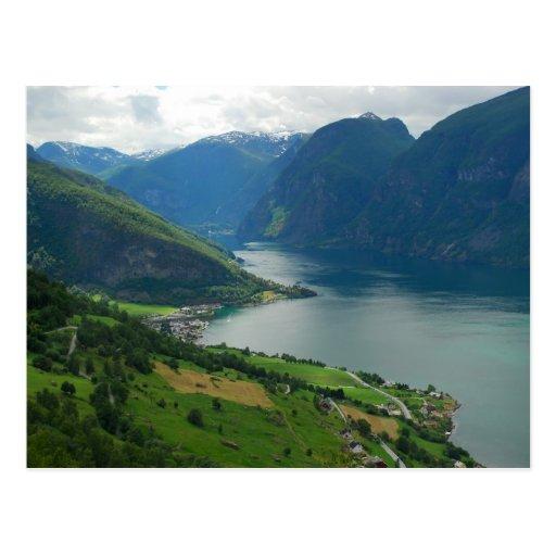 Postal noruega del fiordo