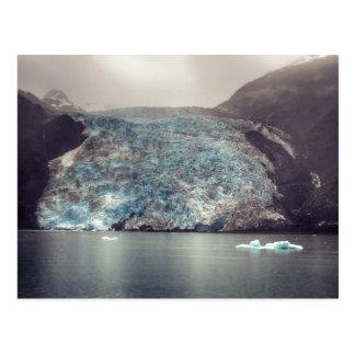 Postal oscura y dramática del glaciar el | de