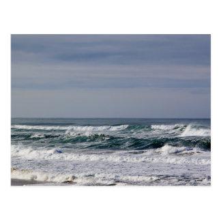 Postal pacífica potente de las olas oceánicas III