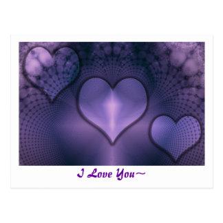 Postal púrpura del interno de los corazones del fr