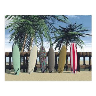 Postal que practica surf