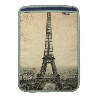 Postal rara del vintage con la torre Eiffel en Funda MacBook