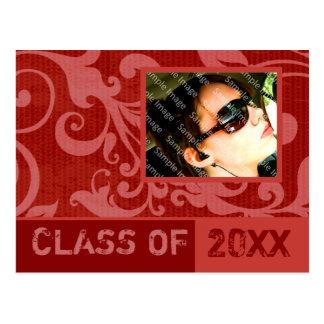 Postal roja de la invitación de la graduación del