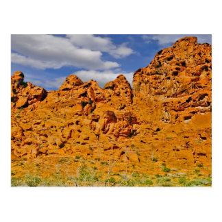 Postal roja de la roca del desierto de Mojave
