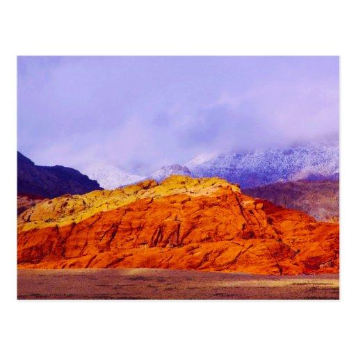 Postal roja de la roca y de la nieve