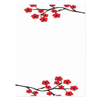 Postal roja de las flores de cerezo