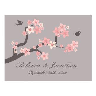 Postal rosada gris de la flor de cerezo de RSVP