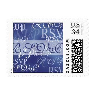Postal RSVP en franqueo azul del boda