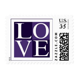 Postal RSVP púrpura que casa amor de la invitación Timbre Postal