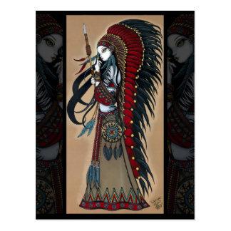 Postal tribal nativa de la sacerdotisa del guerrer