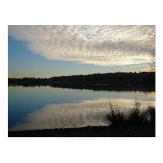 Postal verde del lago