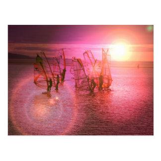 Postal Windsurfing de la puesta del sol