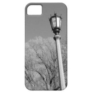 Poste blanco y negro de la lámpara iPhone 5 carcasas