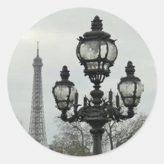 Poste de la lámpara de París y escena de la torre Pegatina Redonda