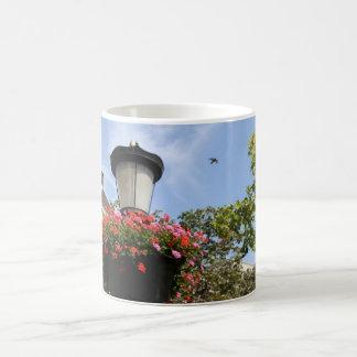Poste de la lámpara taza de café